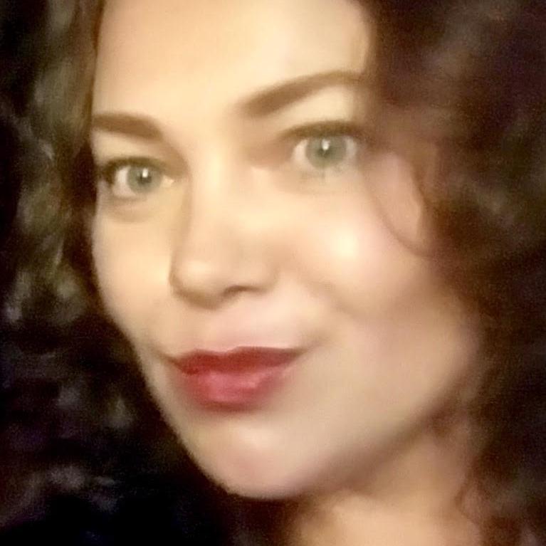 VIOLETA USHEVA -