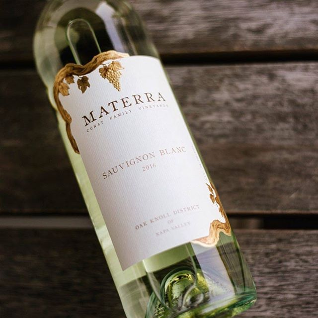 We absolutely love this Sauvignon Blanc from @materrawines! It will be sure to brighten your day 🌞! PC: @neenaheitz • • • • • #materrawines #wine #winetour #sauvignonblanc #bestwine #drink #whitewine #redwine #vineyard #sparklingwine #rose #roseallday #vineyards #pasorobles #wineo #winetourists #winenot #winestagram #wineconsumer #redwinelovers #whitewinelovers #butfirstwine #wineaboutit #huffposttaste #foodandwine #goodtimes #weekendvibes #weekend #friday #fridaymood