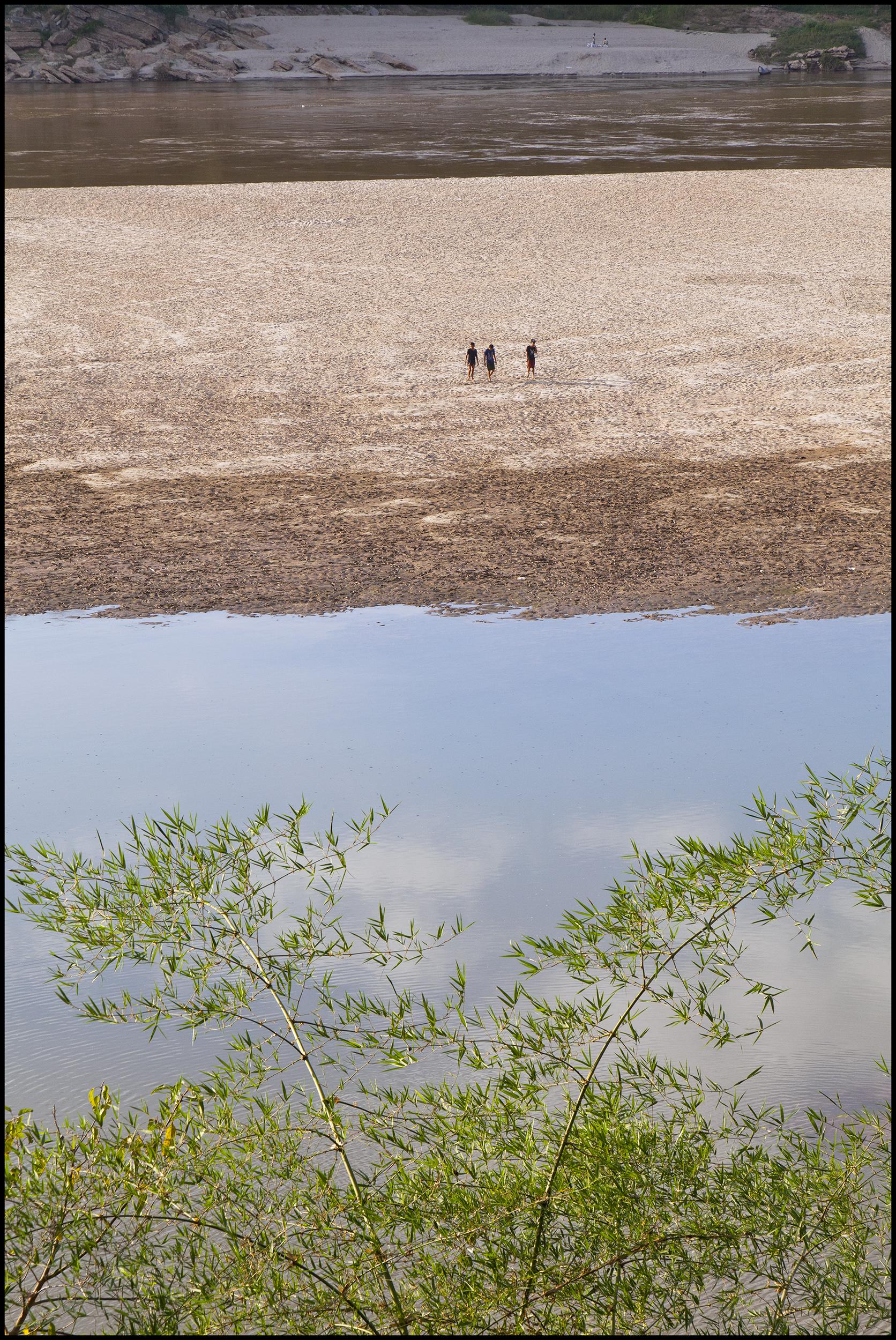 Laos Mekong River 5-3-11 18 inch.jpg