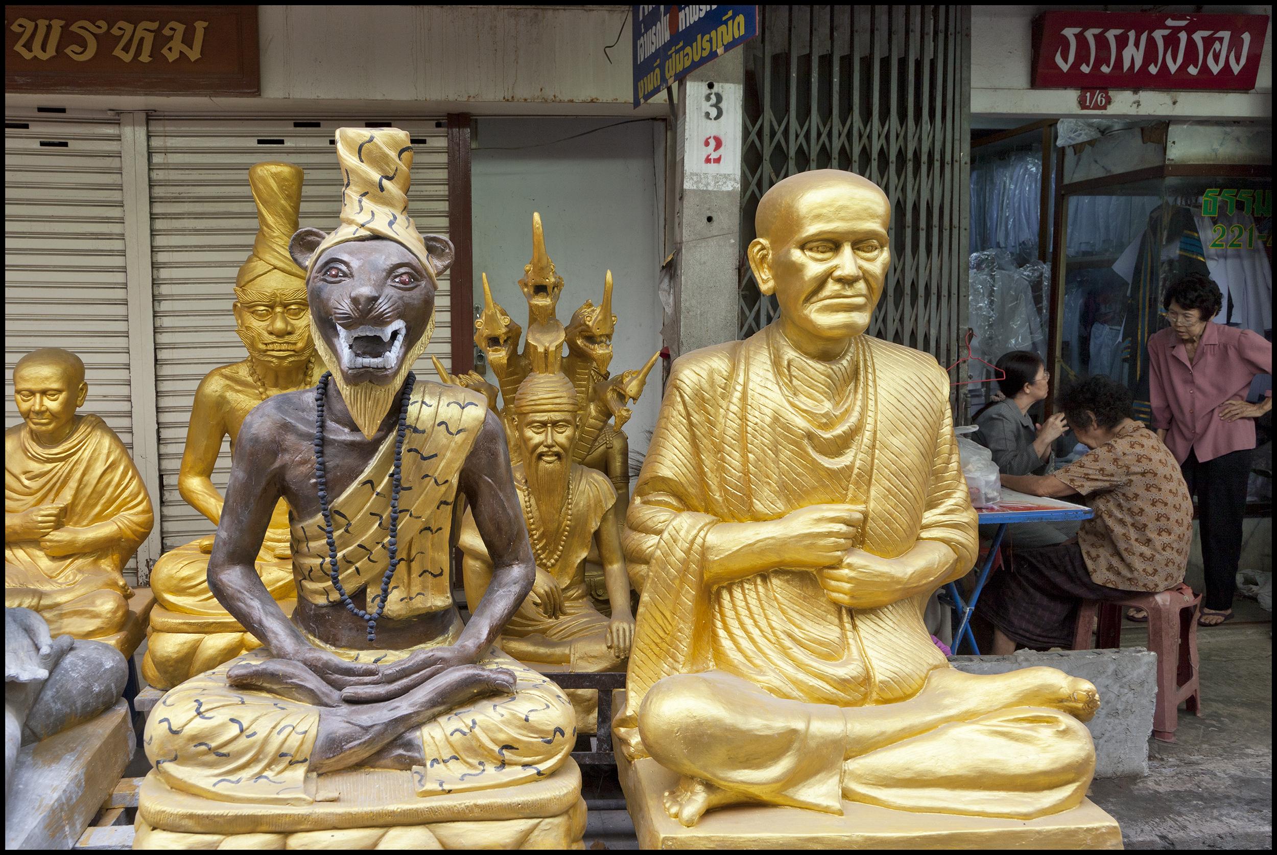 BANGKOK STATUES 5-3-11 15 INCH.jpg