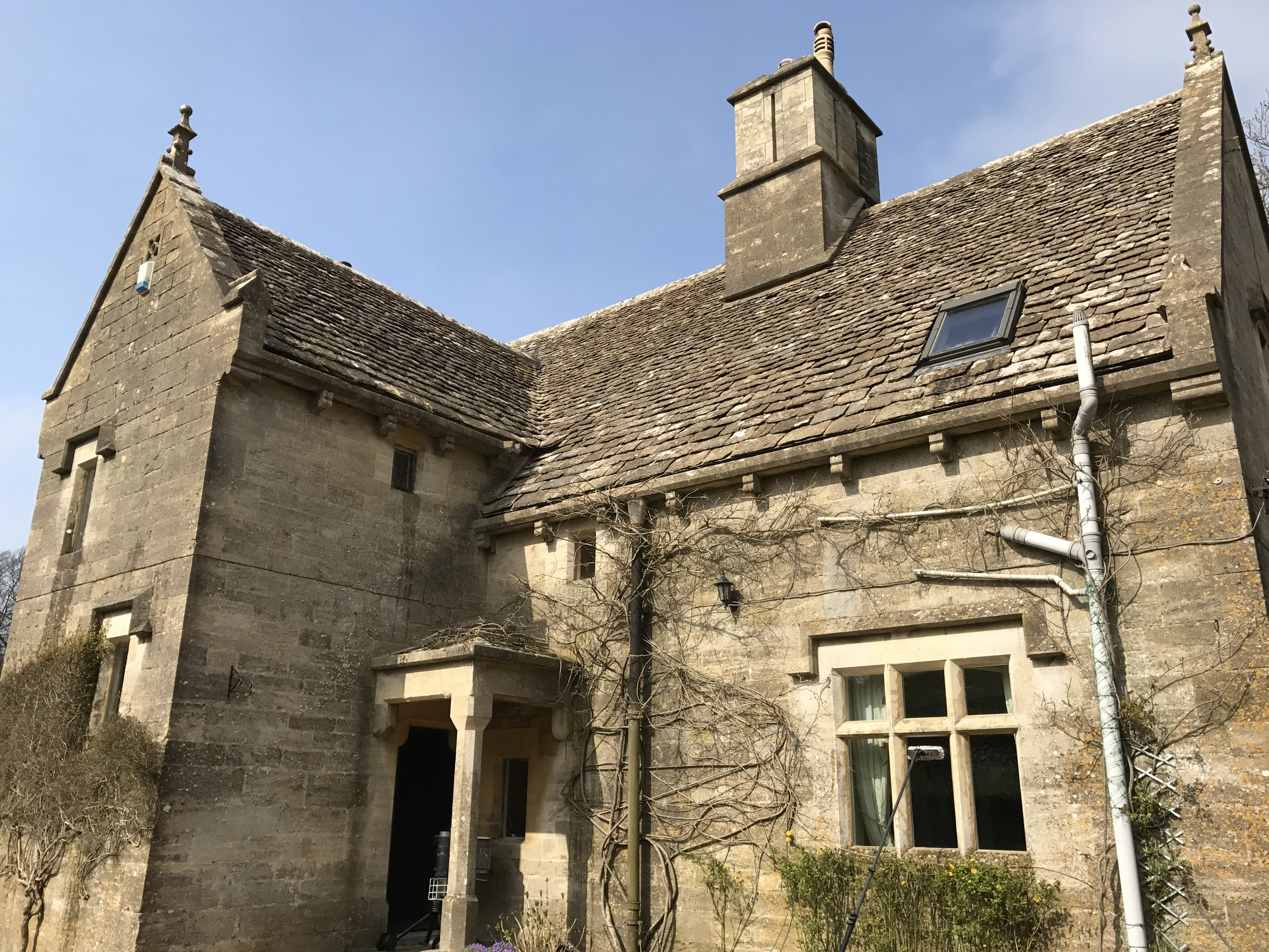 Gorgeous Cotswold stone property with mullion windows and velux