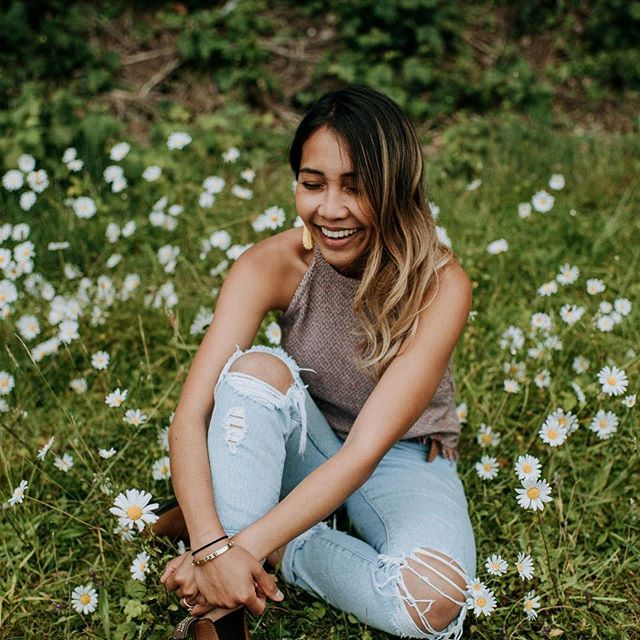 Are you ready to laugh so hard that you might cry a little?? At camp you might come alone but you'll definitely leave with a ton of new friends and some inside jokes! Photo of camper @kaoverii_silva by Camp Director @sararogersphotography // Great Lakes Camp is only a month away and there are a couple spots left! . . . . #thecampcollective #thegreatlakescamp #ontariophotographer #muskokaphotographer #yyzphotographer #torontoweddingphotographer #photographyeducation #photographyworkshop #photographyworkshops #ontarioweddingphotographer #peterboroughweddingphotographer #photoworkshop #photocamp #canadianphotographers #thewestcoastcamp