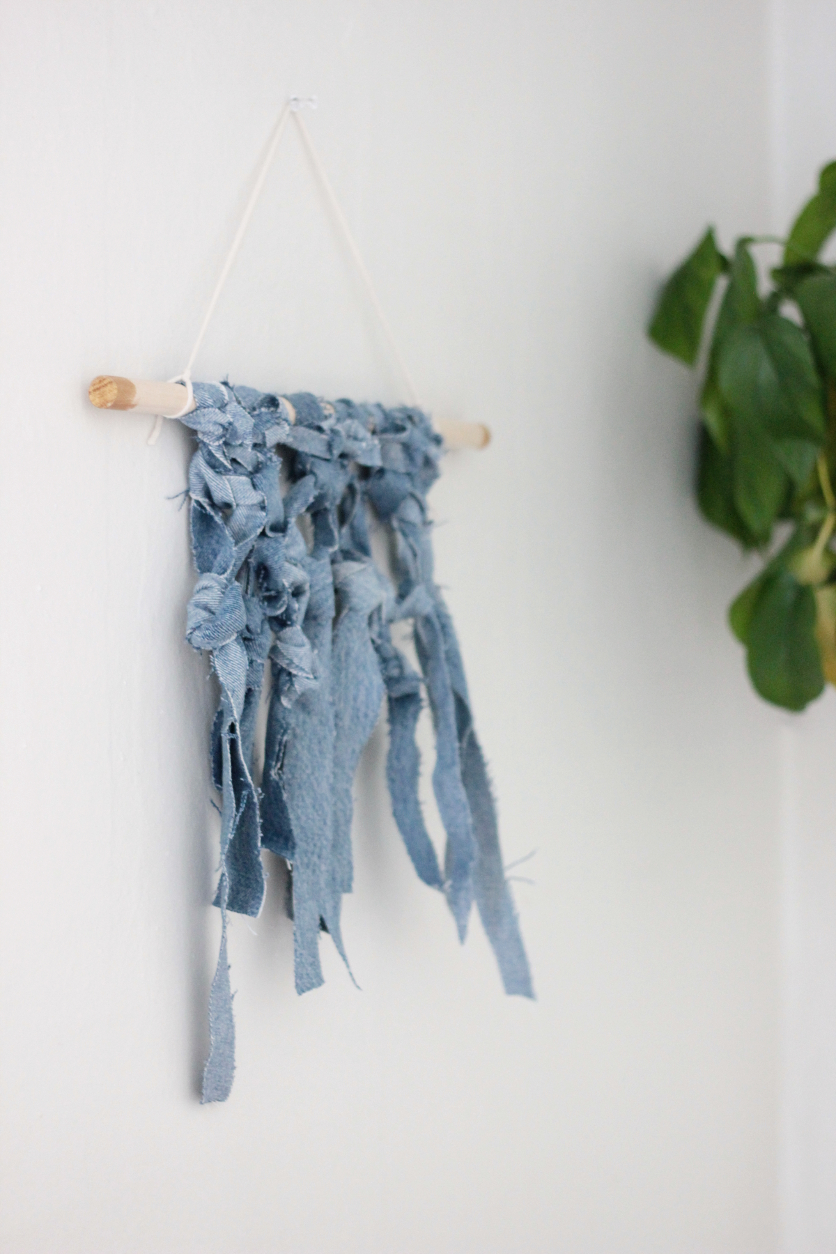 denim wall hanging DIY