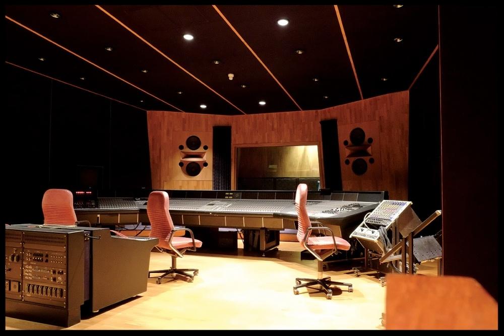 studio envirn.jpg
