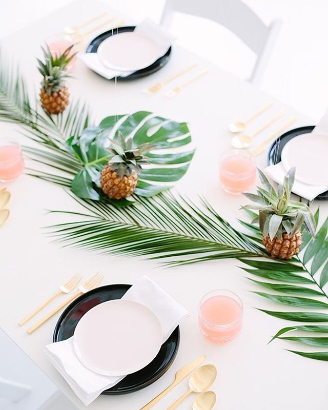 Island party vibes 🌴 #islandvibes #party #partyideas #doyenneeventsbytiffany #nyceventplanner #tablescape #monstera #pineapple #tablesetup #parties #perfection #events #eventer #eventstylist #eventplanner #pinterest #diy #celebrationstylist #partystylist #partyplanner #eventmanager #nycevents