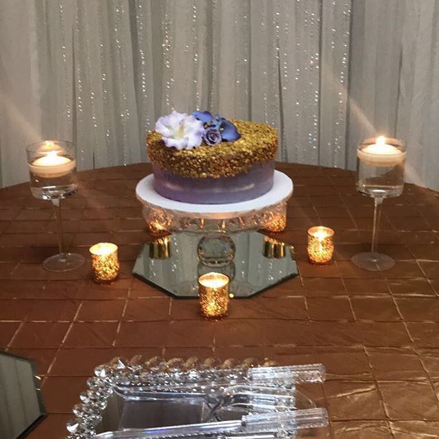 Thank you @lgvcupcakes for providing the amazingly beautiful cake, cupcakes and cake pops. It was just the perfect add on to take this reception to the next level.