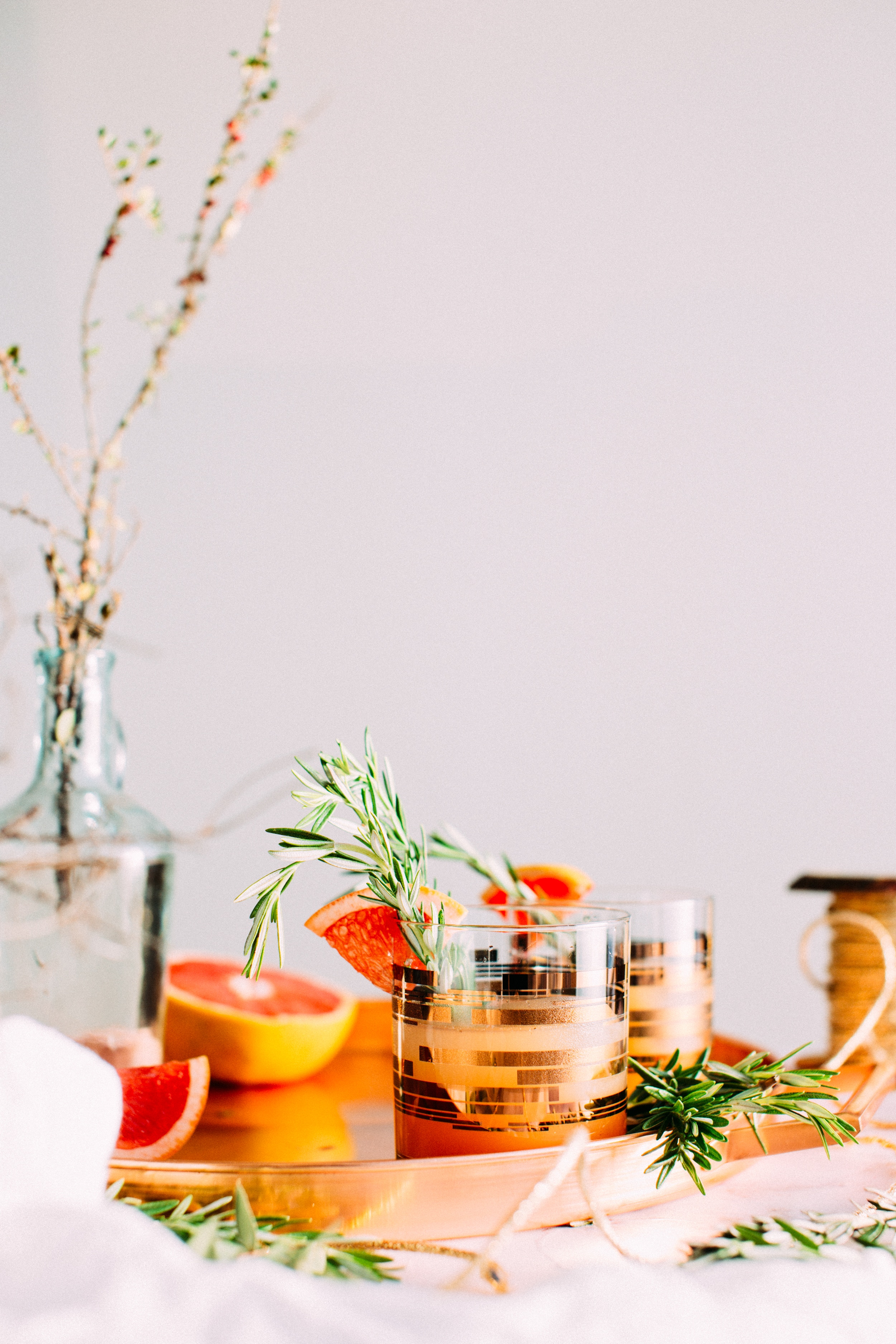 SPARKLING GRAPEFRUIT ROSEMARY MOCKTAIL -
