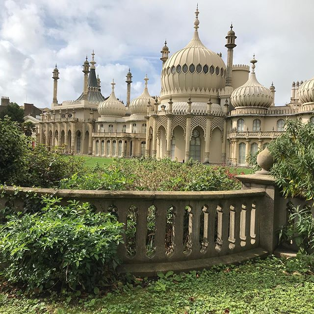Royal Pavilion Brighton, built for Prince of Wales who later became George IV, his retreat away from the public eye in London for all his shenanigans!😉
