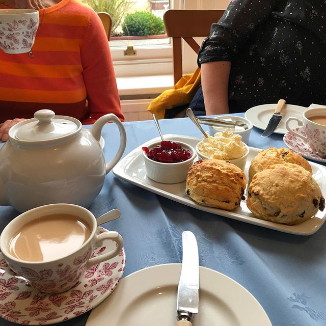 A visit to the UK is never complete without a clotted cream tea😋