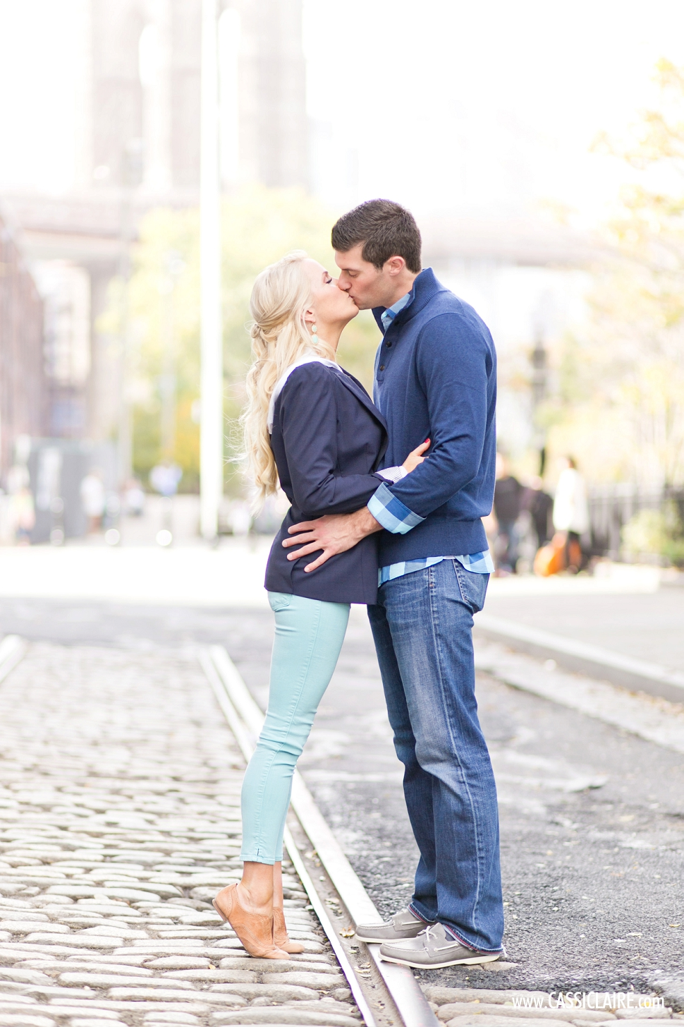 DUMBO-Engagement-Photos_09.jpg