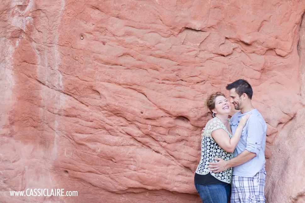 Garden-of-the-Gods-Engagement-Photos_10.jpg