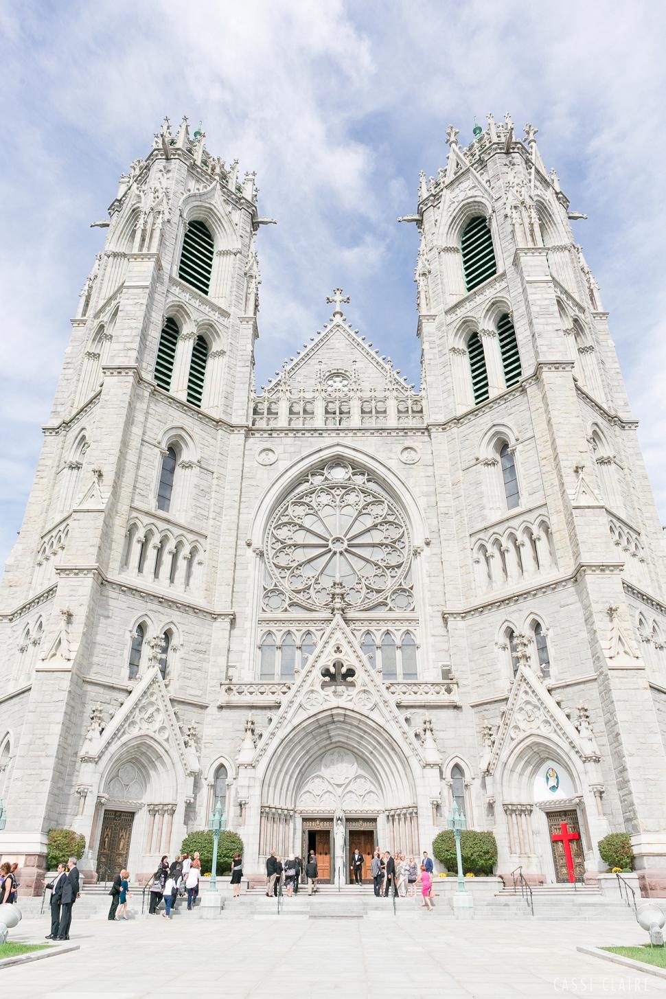 B_Cathedral-Basilica-of-Sacred-Heart-Wedding_14.jpg