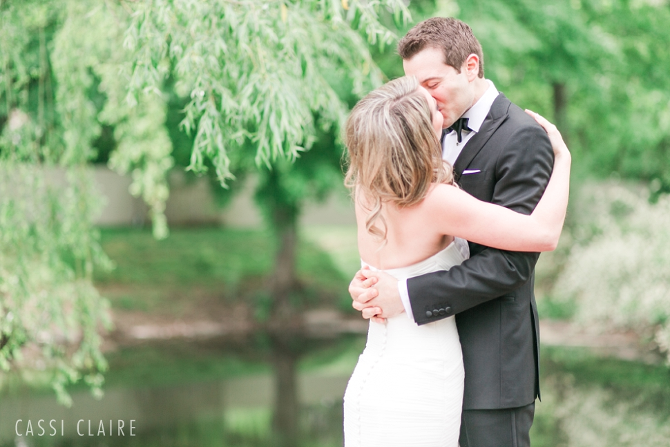 Crest-Hollow-Country-Club-Wedding_CassiClaire_12.jpg