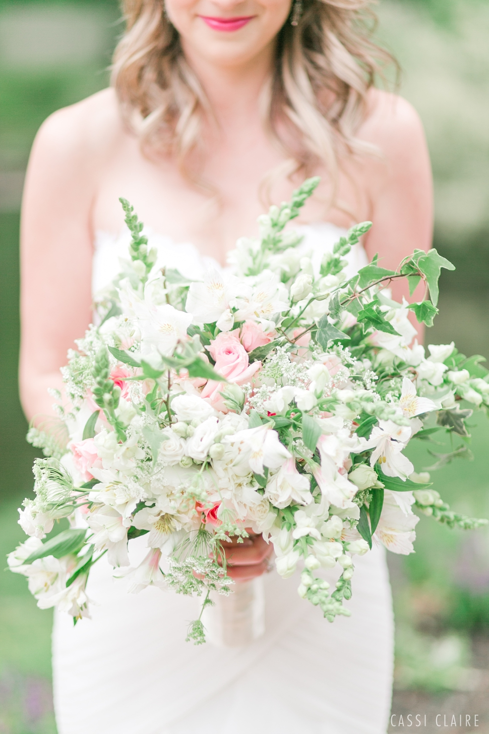 Crest-Hollow-Country-Club-Wedding_CassiClaire_17.jpg