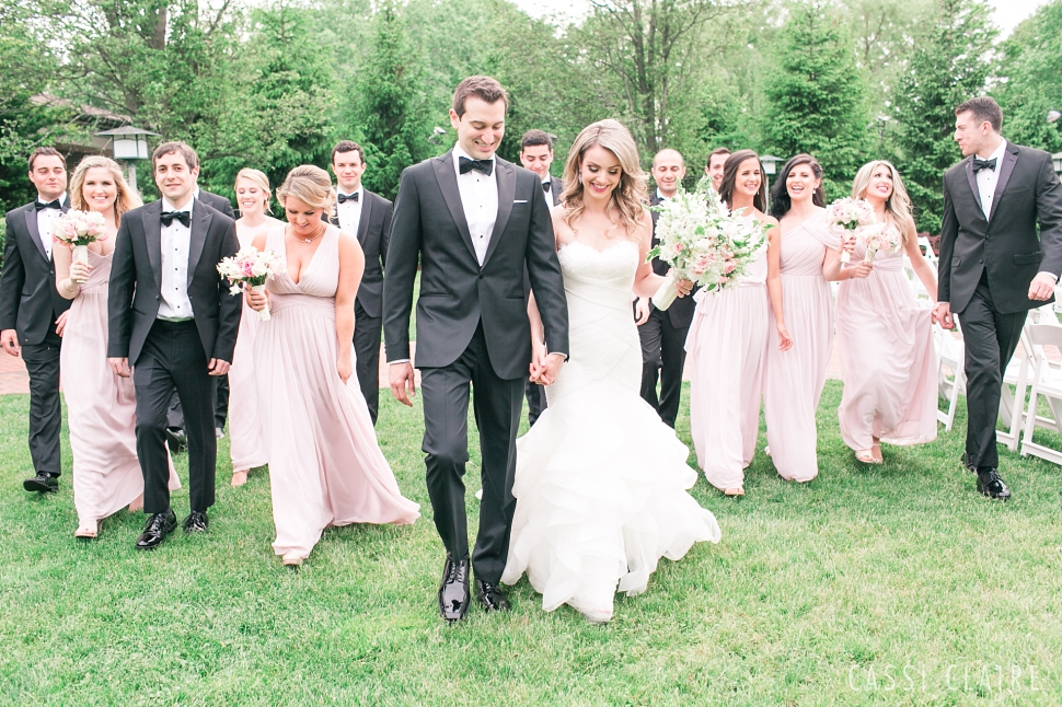 Crest-Hollow-Country-Club-Wedding_CassiClaire_23.jpg