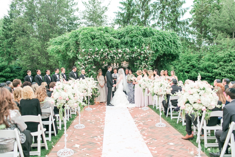 Crest-Hollow-Country-Club-Wedding_CassiClaire_30.jpg