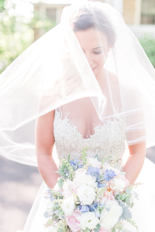 Lake-House-Inn-PA-Wedding_Cassi-Claire_25.jpg