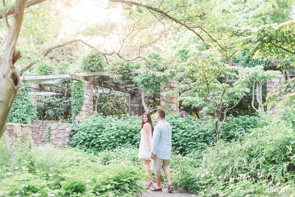 Cross-Estate-Gardens-Engagement_CassiClaire_10.jpg