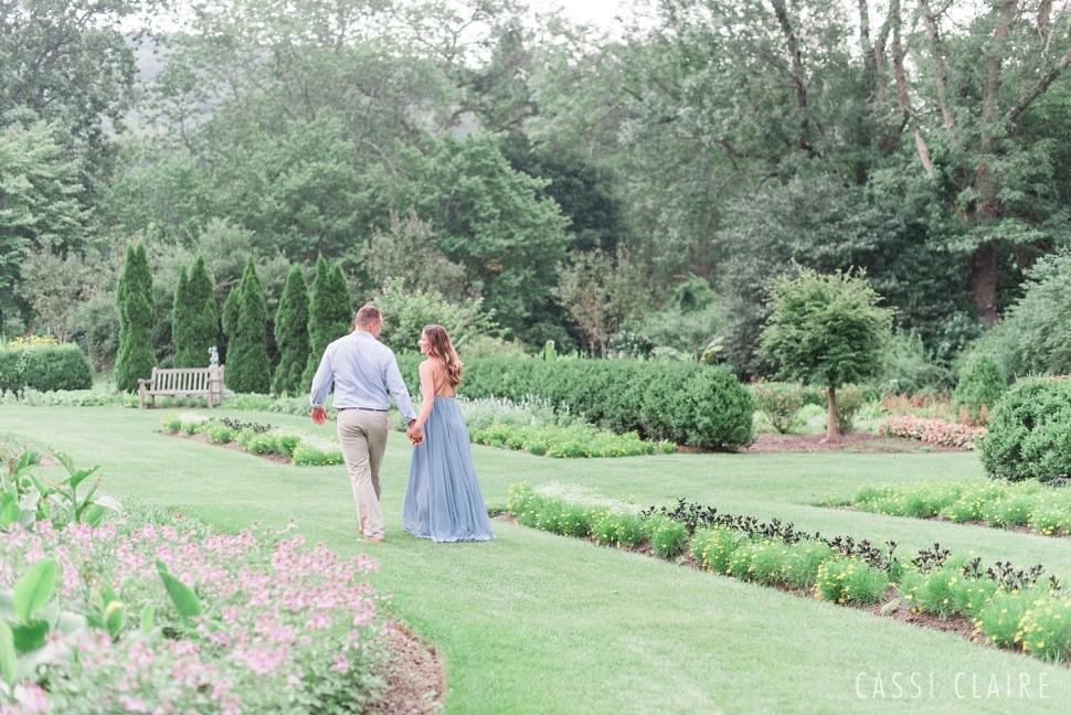 Skylands-Manor-Engagement-Photos_09.jpg