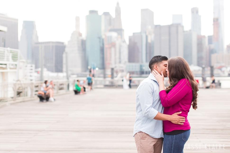 DUMBO-Brooklyn-Engagement-Photos_19.jpg