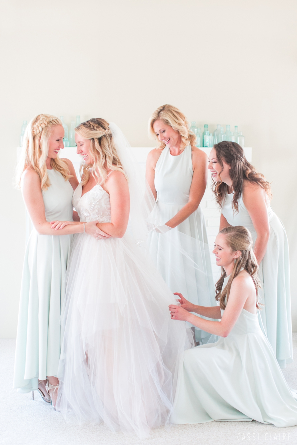 bride emotional moment with sister