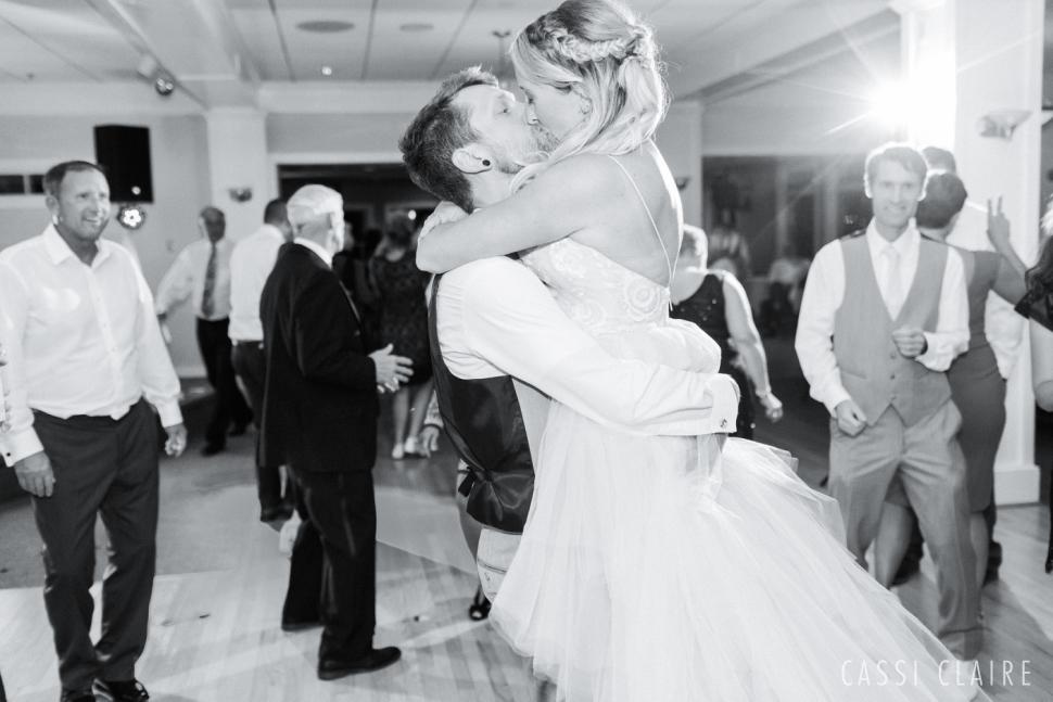 Avalon-Yacht-Club-Wedding-NJ_CassiClaire_72.jpg