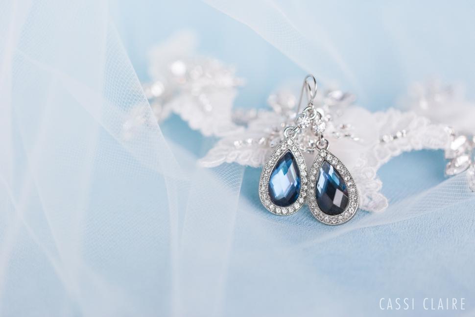 Blue-Monotone-Wedding_CassiClaire_13.jpg