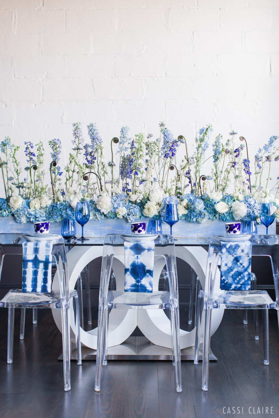 Blue-Monotone-Wedding_CassiClaire_16.jpg