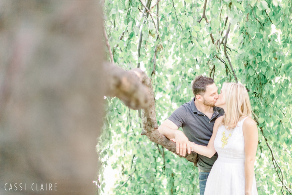 Color-Fight-Engagement-Photos-Prospect-Park-Brooklyn-Juniors_05.jpg