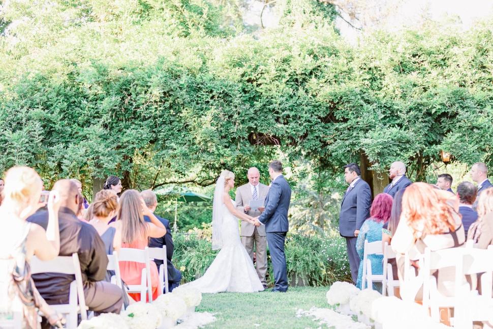Inn-at-Fernbrook-Farms-Wedding_CassiClaire_15.jpg