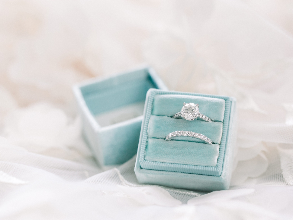 Connecticut-Wedding-Photographer-Cassi-Claire-Barns-at-Wesleyan-Hills-Wedding_03.jpg