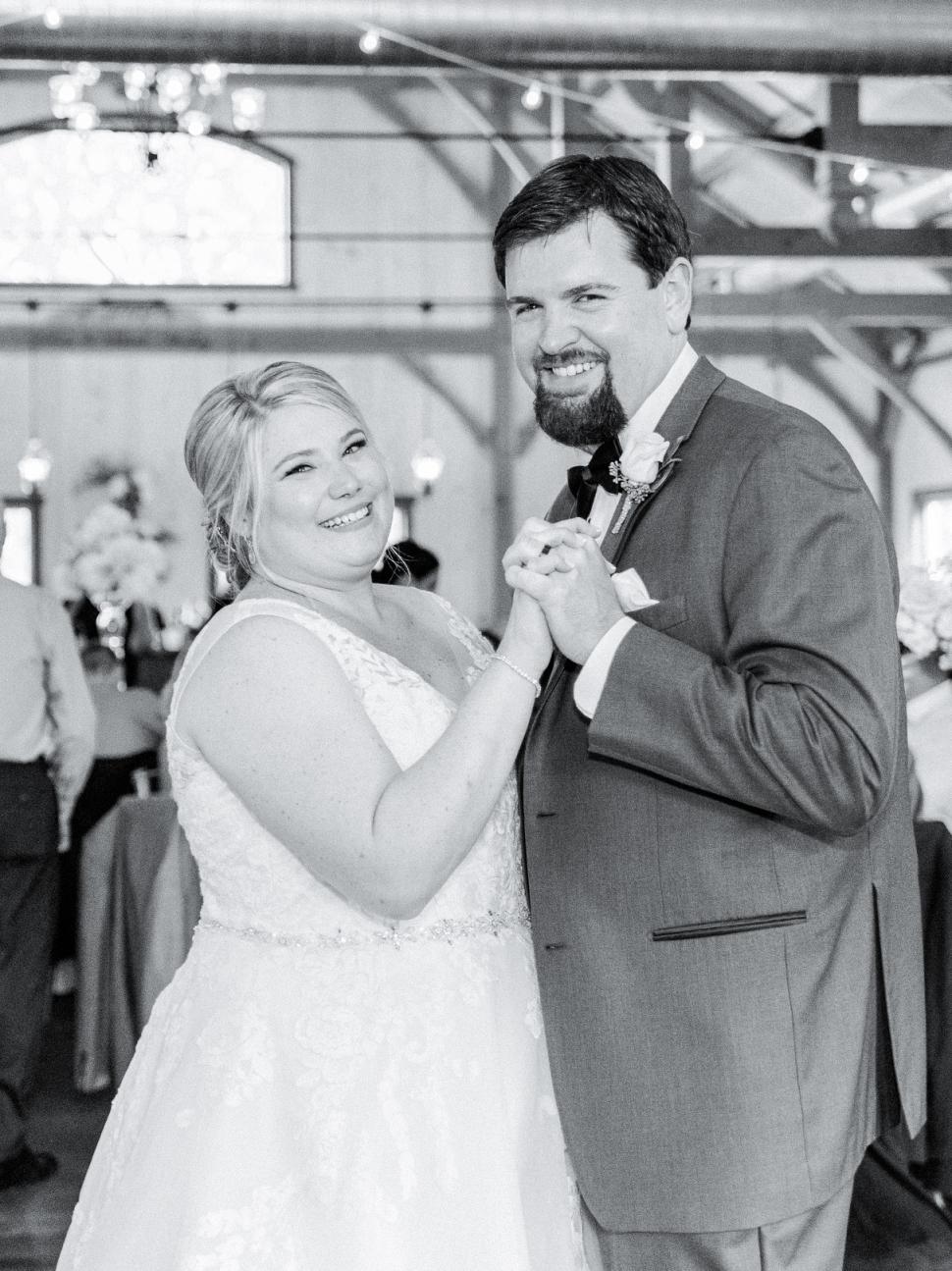 Pennsylvania-Wedding-Photographer-Cassi-Claire-Rosebank-Winery-Wedding_21.jpg