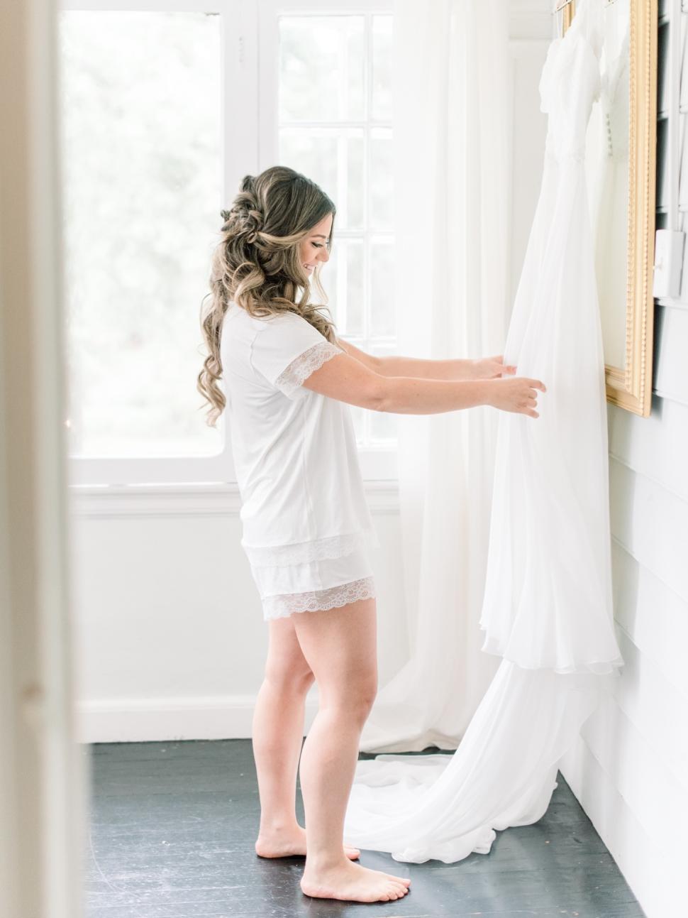 New-Jersey-Wedding-Photographer-Cassi-Claire-Inn-at-Fernbrook-Farms-Wedding_04.jpg