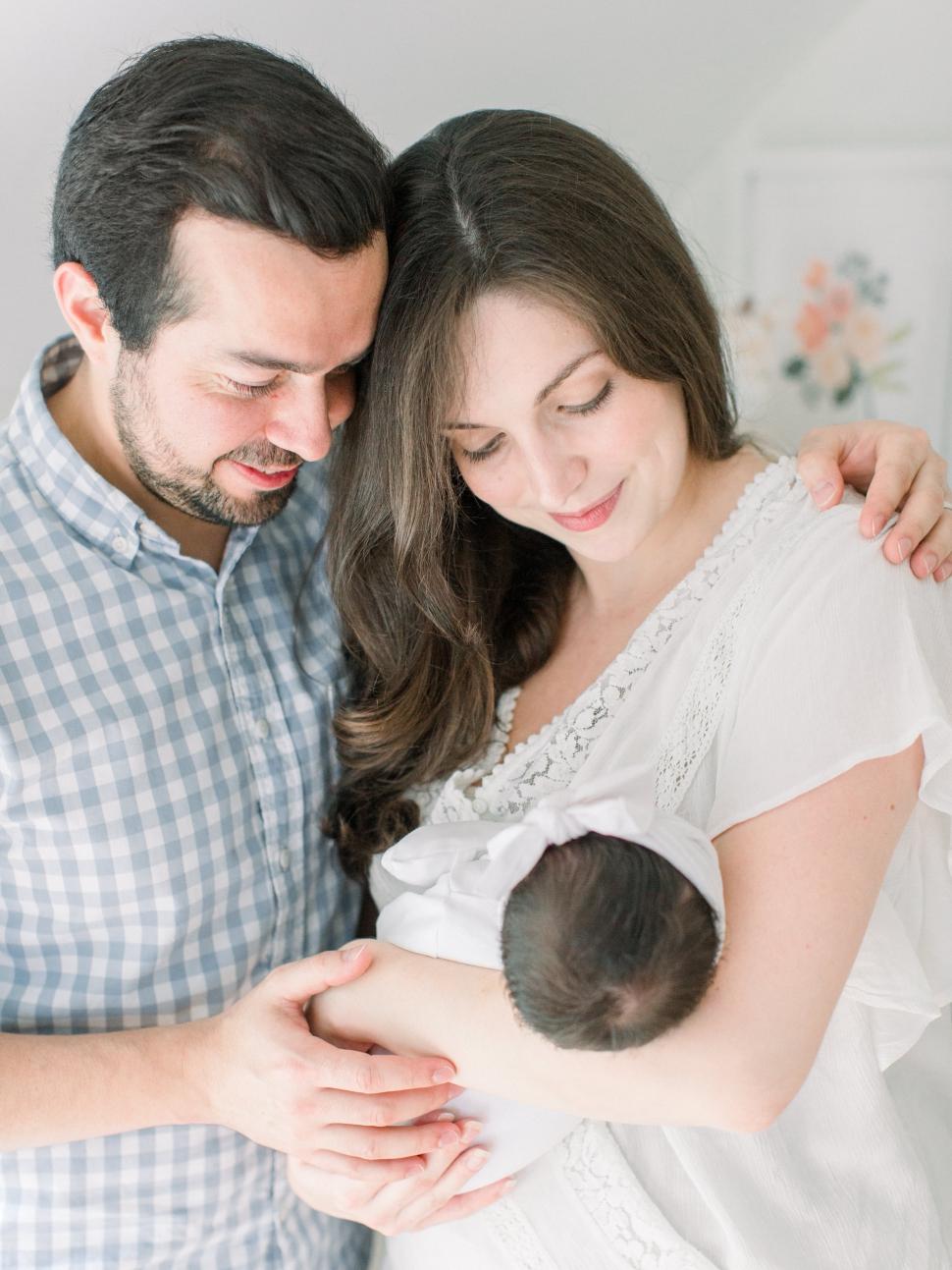 Cassi-Claire-Newborn-Photos_01.jpg