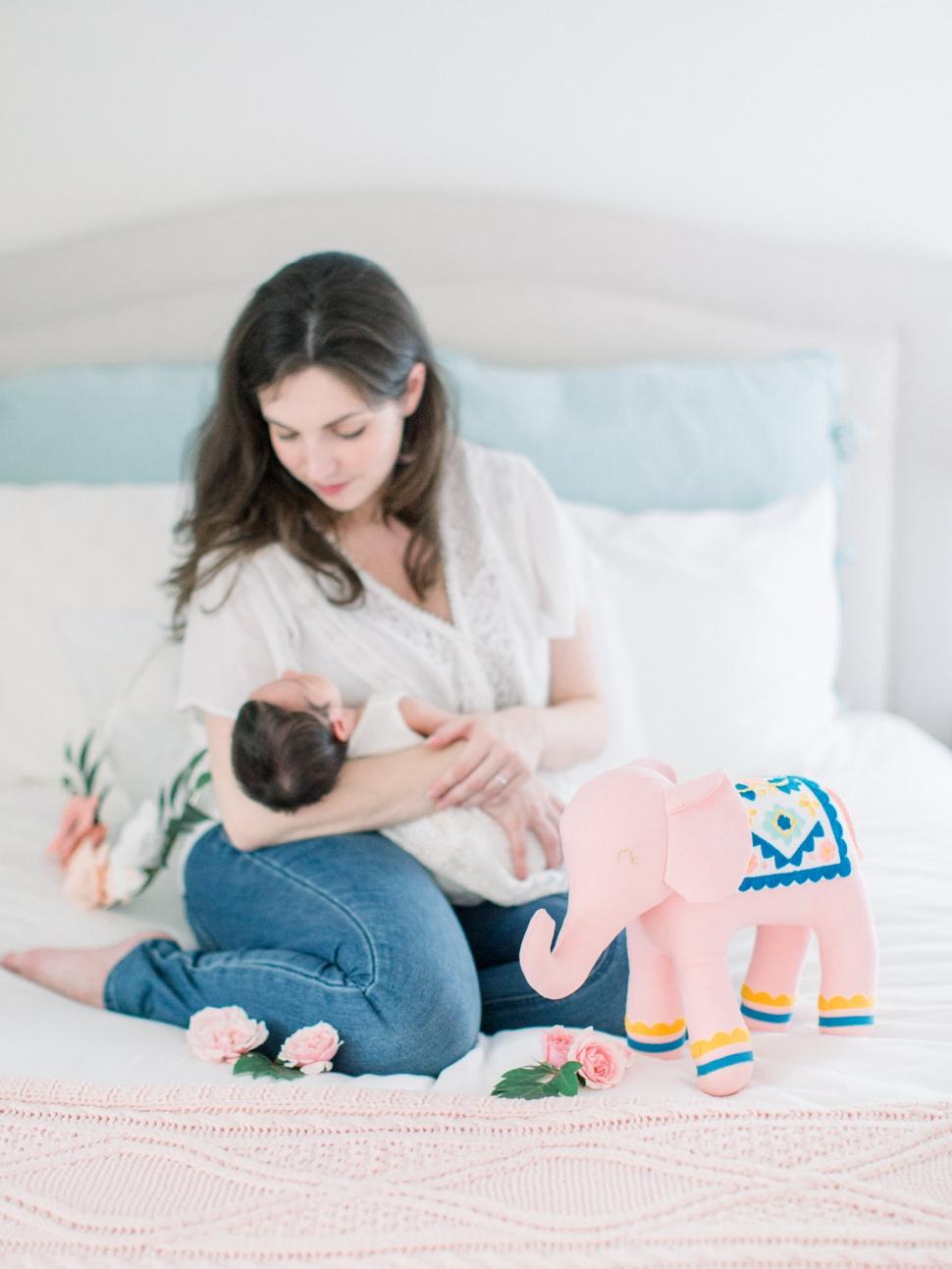 Cassi-Claire-Newborn-Photos_06.jpg