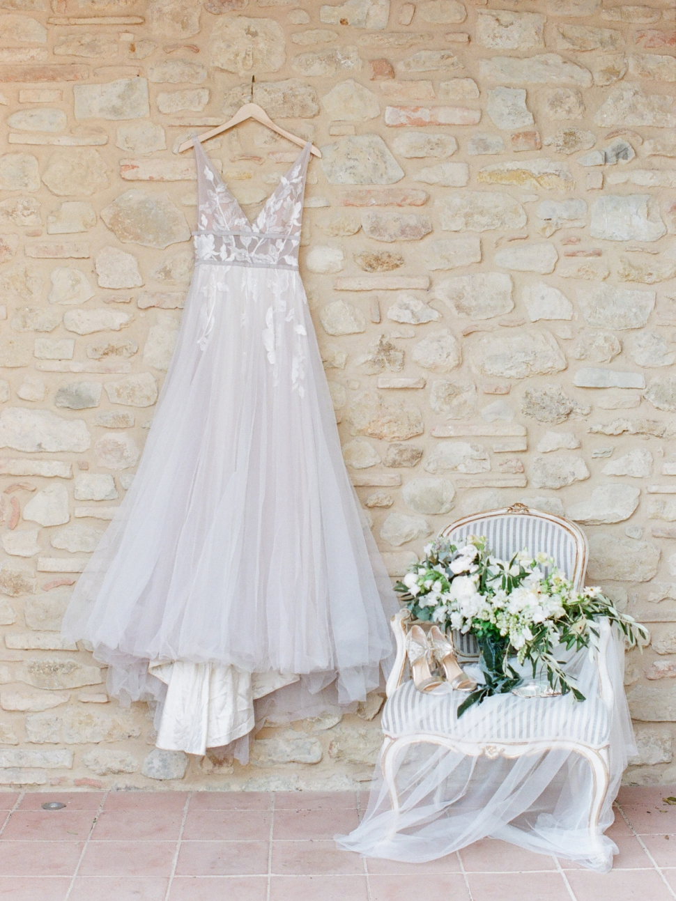 Tuscany-Destination-Wedding-Photographer-Cassi-Claire-Borgo-Petrognano-Florence-Wedding-03.jpg