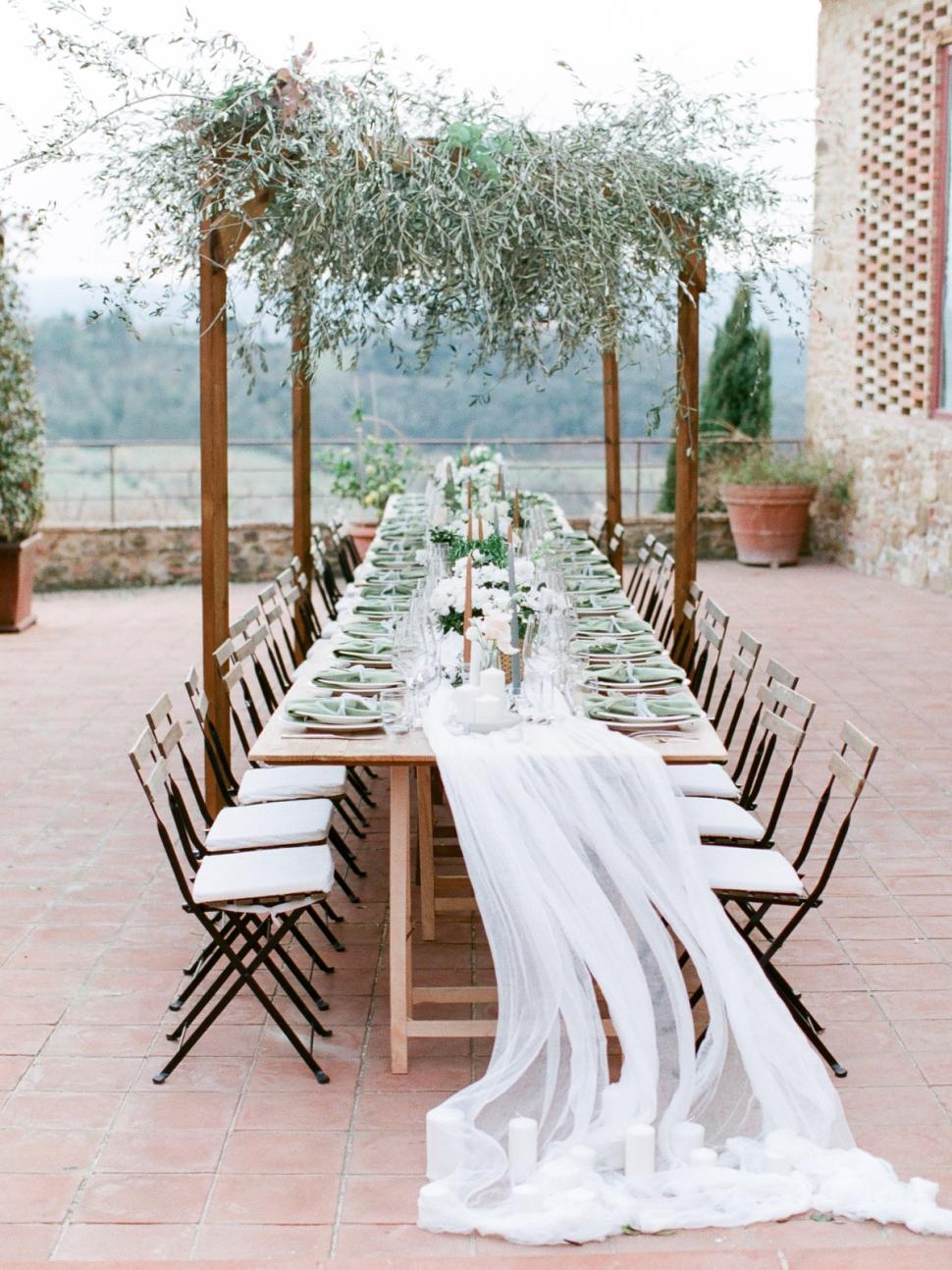 Tuscany-Destination-Wedding-Photographer-Cassi-Claire-Borgo-Petrognano-Florence-Wedding-14.jpg