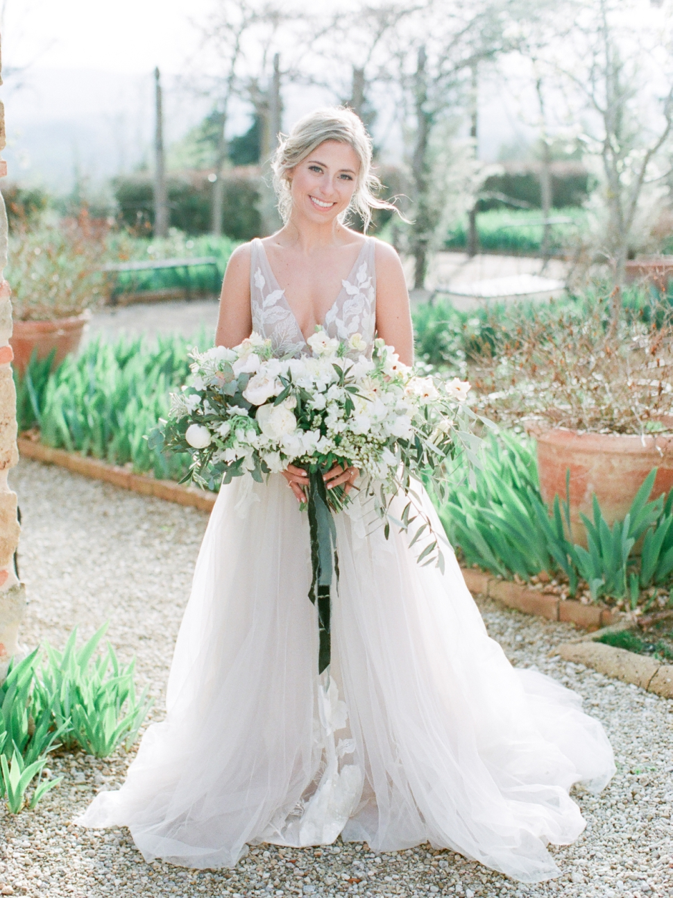 Tuscany-Destination-Wedding-Photographer-Cassi-Claire-Borgo-Petrognano-Florence-Wedding-18.jpg