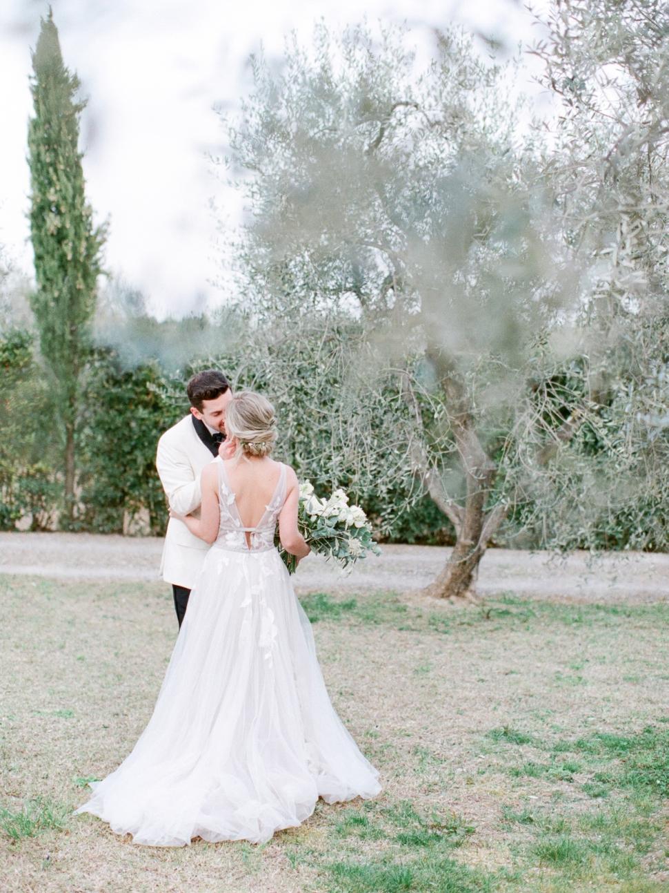 Tuscany-Destination-Wedding-Photographer-Cassi-Claire-Borgo-Petrognano-Florence-Wedding-20.jpg