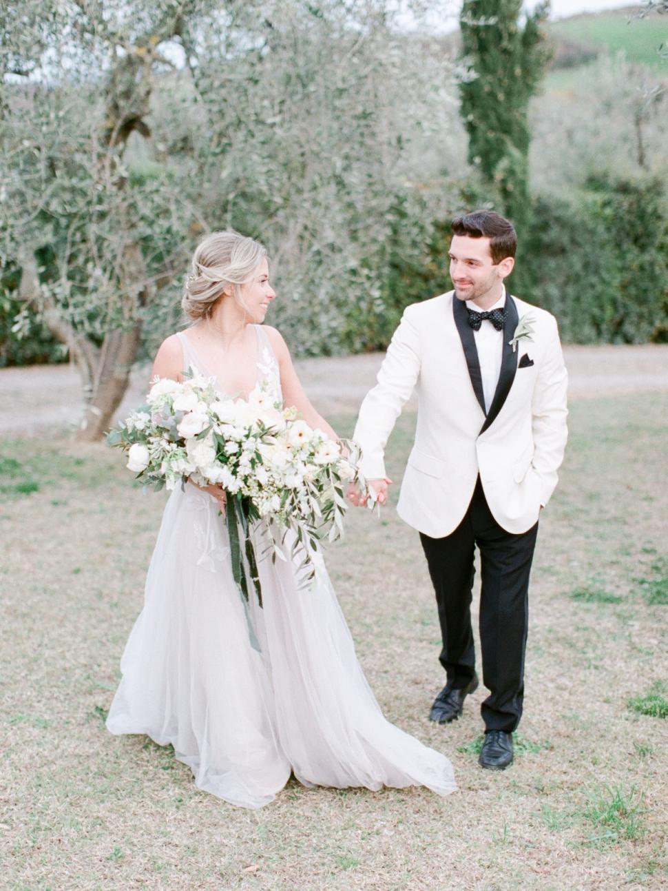 Tuscany-Destination-Wedding-Photographer-Cassi-Claire-Borgo-Petrognano-Florence-Wedding-31.jpg