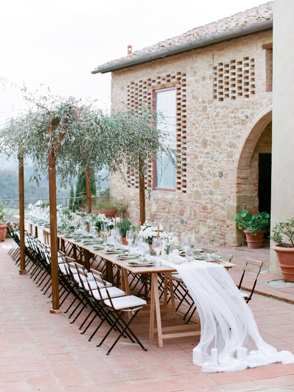 Tuscany-Destination-Wedding-Photographer-Cassi-Claire-Borgo-Petrognano-Florence-Wedding-34.jpg
