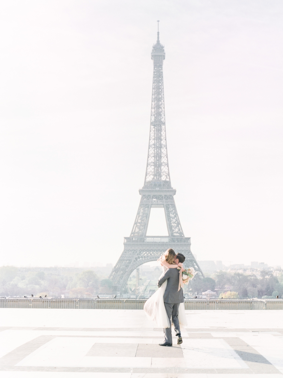 Paris-France-Destination-Wedding-Photographer-Cassi-Claire-Shangri-La-Paris-Wedding-Photos_007.jpg