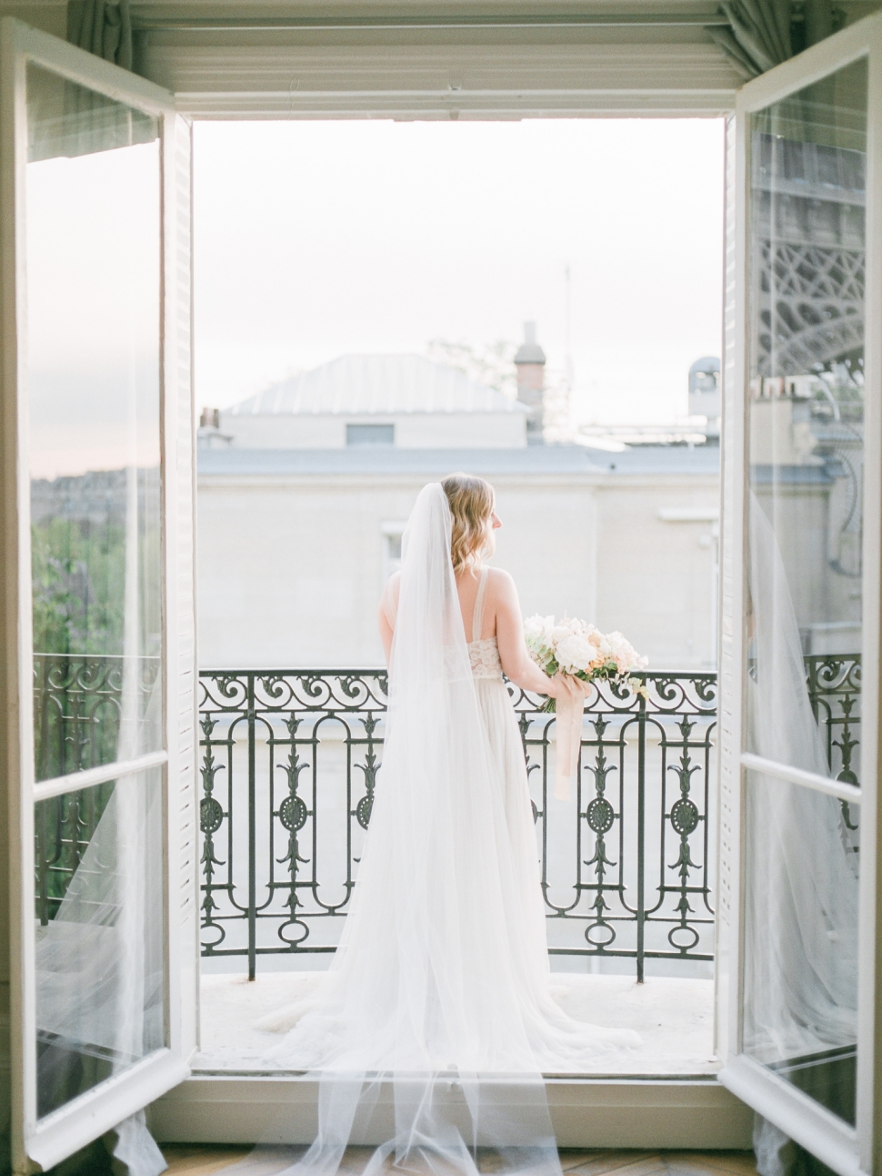 Paris-France-Destination-Wedding-Photographer-Cassi-Claire-Shangri-La-Paris-Wedding-Photos_017.jpg