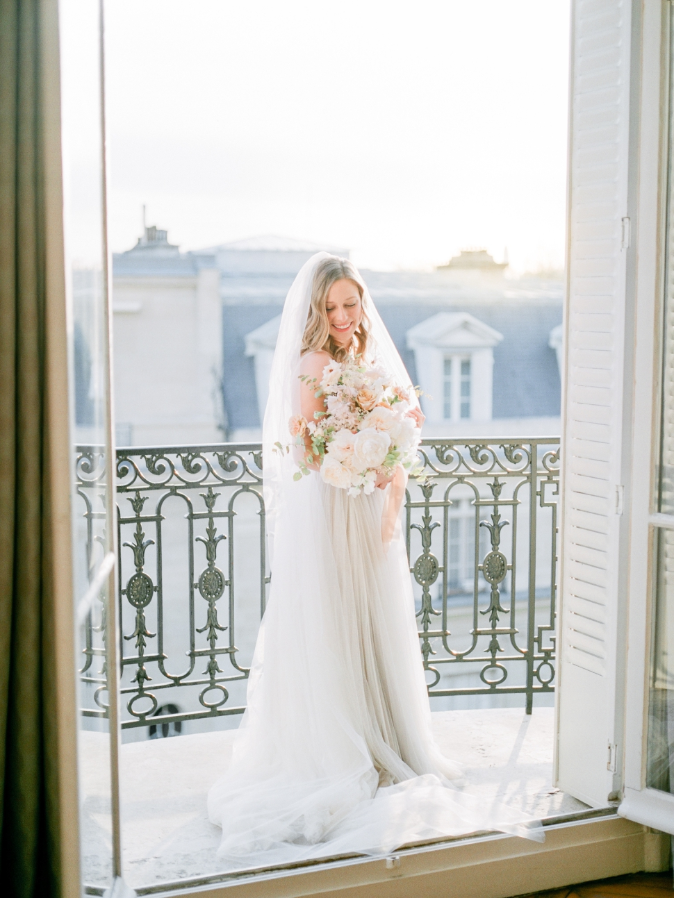 Paris-France-Destination-Wedding-Photographer-Cassi-Claire-Shangri-La-Paris-Wedding-Photos_023.jpg