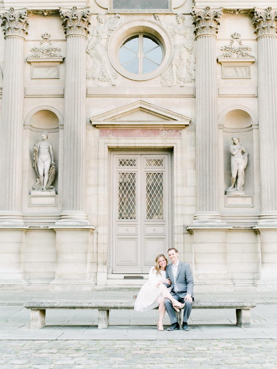 Paris-Photographer-Louvre-Museum-Engagement-Session_02.jpg