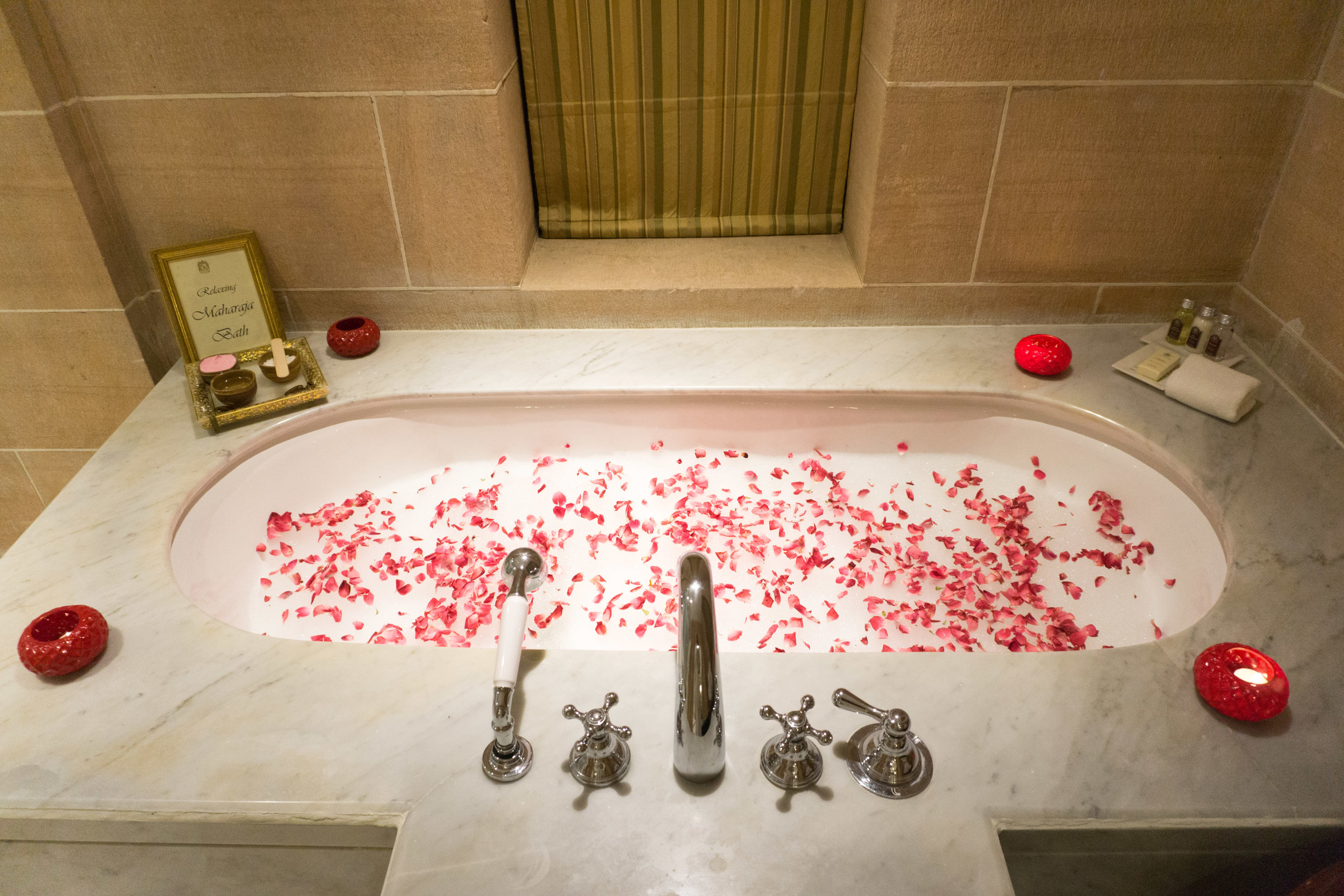 Turndown service - rose petals in the tub