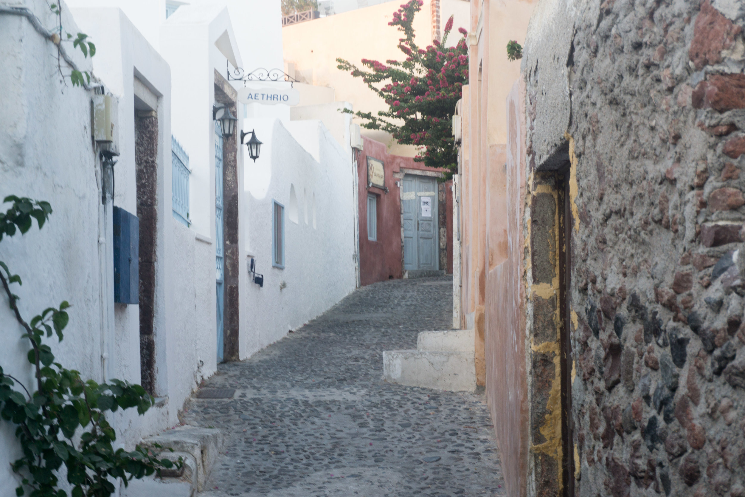 Morning streets of Oía