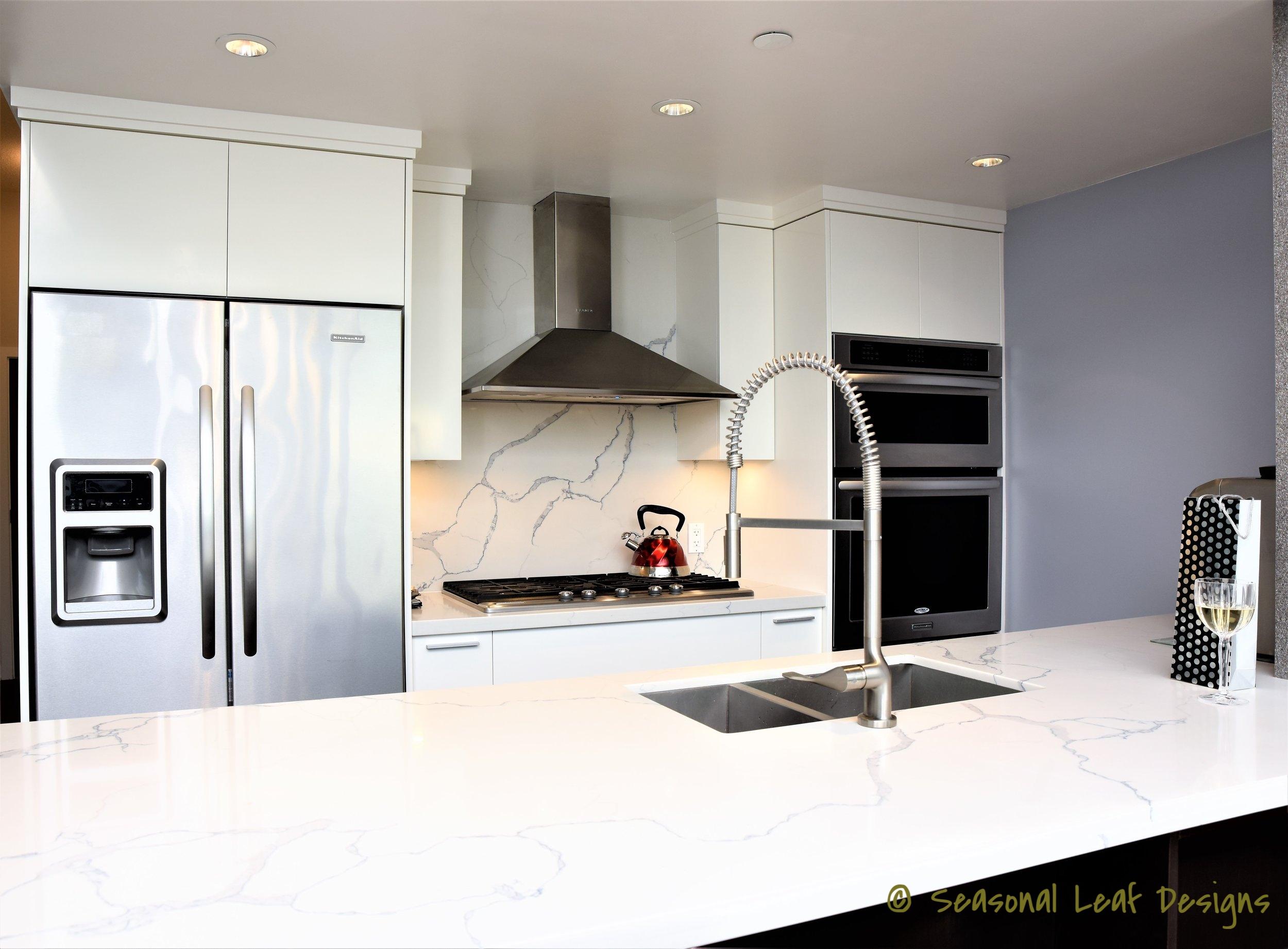 Statuary Qartz Kitchen SLD10.JPG