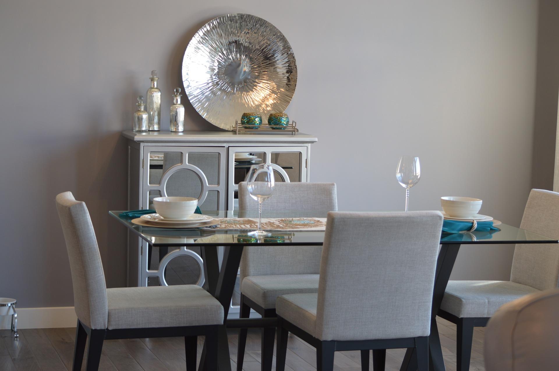 dining-room-1006525_1920.jpg