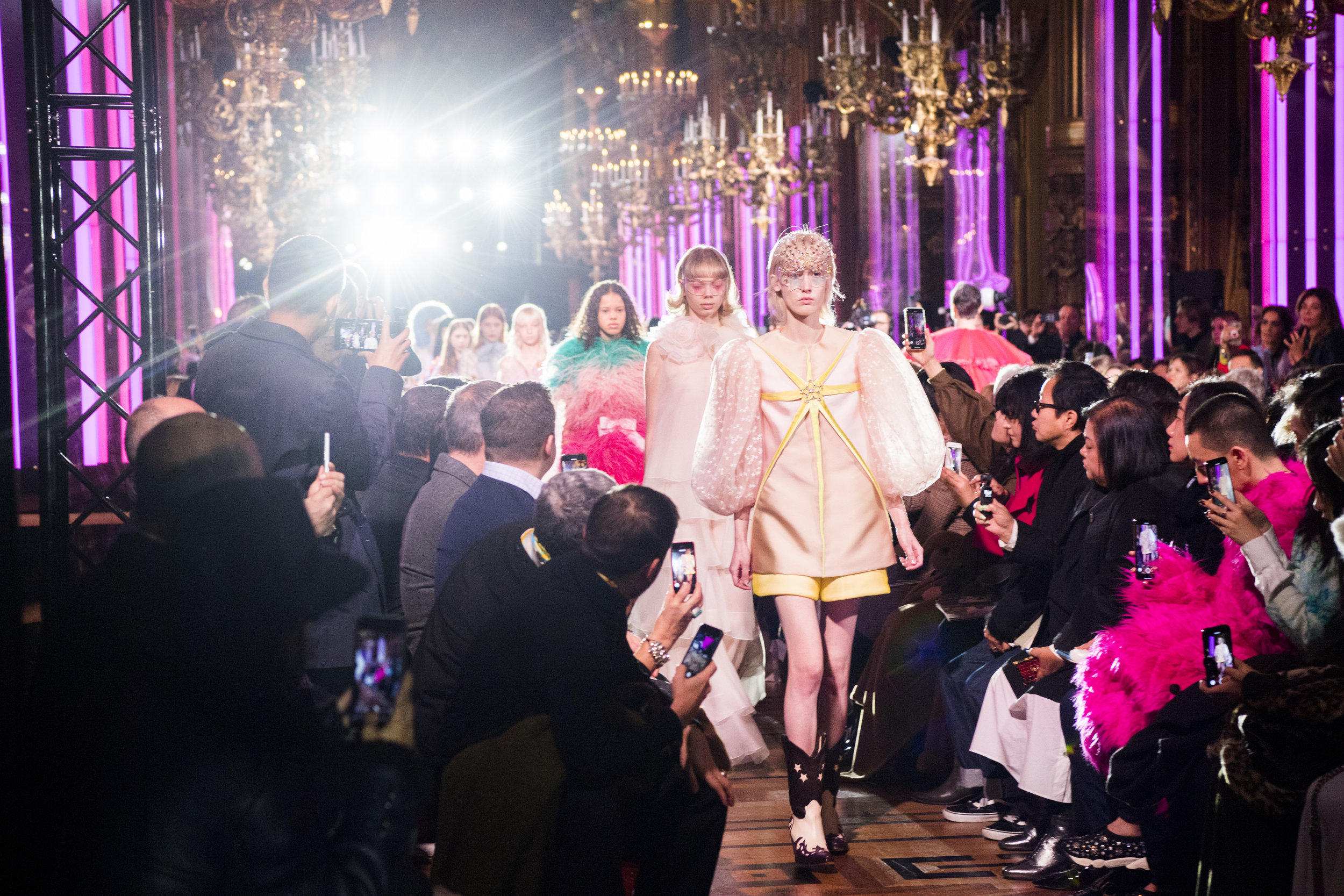 SS19Couture3Finale-001.jpg